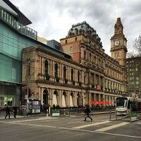 Foto tirada no(a) Melbourne's GPO por Ivan H. em 8/8/2014