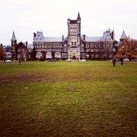 Foto tomada en Universidad de Toronto por Ivan H. el 12/3/2012