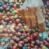 รูปภาพถ่ายที่ HOLLYS COFFEE โดย lkjhgf d. เมื่อ 10/12/2012
