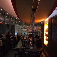 Das Foto wurde bei PLAZA café bistro bar von Fabian N. M. am 2/8/2014 aufgenommen