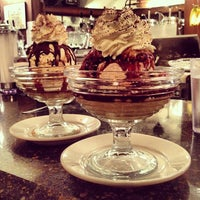Foto scattata a Brooklyn Farmacy & Soda Fountain da Nicole B. il 10/5/2013