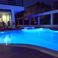 Das Foto wurde bei Kalif Hotel von Ysm Glr am 8/24/2013 aufgenommen