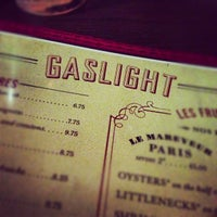 Das Foto wurde bei Gaslight von Adrian S. am 9/30/2012 aufgenommen