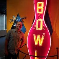Foto tirada no(a) International Bowling Museum & Hall Of Fame por The Daytripper em 8/20/2013