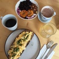 Foto scattata a Mikyna Coffee & Food Point da Lucie il 9/23/2018
