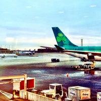 Foto diambil di Aer Lingus Lounge oleh Beth A. pada 3/5/2013