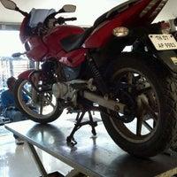 Foto tomada en Auto Service por Praful el 5/27/2012