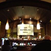 Foto diambil di The Waterloo Bar oleh Natalia pada 10/26/2012