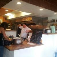 1/9/2013에 Alfonso V.님이 Myapapaya juicery + kitchen에서 찍은 사진