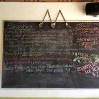 2/21/2013에 Alfonso V.님이 Myapapaya juicery + kitchen에서 찍은 사진