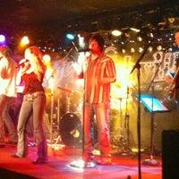 Снимок сделан в Jerseys Bar & Grill пользователем Kristy B. 12/29/2012