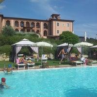 รูปภาพถ่ายที่ Saturnia Tuscany Hotel โดย Marco เมื่อ 8/2/2014