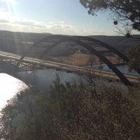 Снимок сделан в 360 Bridge (Pennybacker Bridge) пользователем Smith S. 1/21/2013
