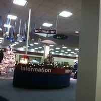 Foto diambil di The Eastern Iowa Airport oleh Nina S. pada 12/19/2012