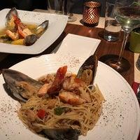 10/22/2017에 Eric B.님이 Shrimps Bar & Restaurant에서 찍은 사진