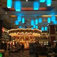 Снимок сделан в Maplewood Mall пользователем Ben P. 12/19/2012