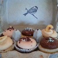 Photo prise au Bird Bakery par Sirena M. le7/4/2013