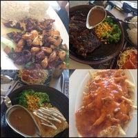 8/24/2013 tarihinde Tina V.ziyaretçi tarafından R2 Restaurant - Ray-Ray'de çekilen fotoğraf