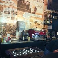 10/23/2012 tarihinde Vanessa L.ziyaretçi tarafından La Rauxa Café'de çekilen fotoğraf