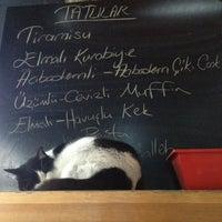 1/19/2013 tarihinde sezinziyaretçi tarafından Coffeeco'de çekilen fotoğraf