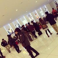 Foto tirada no(a) Shinjuku Piccadilly por Yuka I. em 12/9/2012