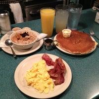 Foto tomada en Magnolia Cafe por Oscar D. el 2/3/2013
