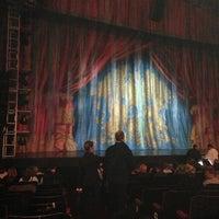 Das Foto wurde bei Dominion Theatre von Anne B. am 5/28/2013 aufgenommen