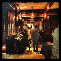 Foto tirada no(a) The Rum House por Oukia em 10/15/2012