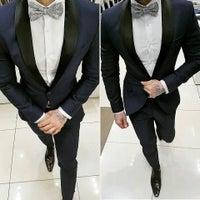 ... Foto tomada en D´Sabrera Ternos De Moda Slim Fit Peru por Luis J D ... ab665d68ac4