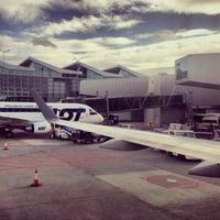 Das Foto wurde bei Chopin-Flughafen Warschau (WAW) von John O. am 9/28/2013 aufgenommen