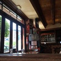 Foto tirada no(a) Café Bar Arriate por Маша К. em 7/18/2016