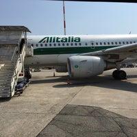 รูปภาพถ่ายที่ Aeroporto di Milano Linate (LIN) โดย Davide 🍷🍷 เมื่อ 7/2/2015