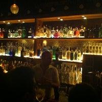 Foto tomada en Ultramarinos Hendrick's Bar por SucioCaballo d. el 10/13/2012