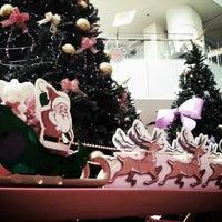 รูปภาพถ่ายที่ 1 Mont Kiara Mall โดย Anthony L. เมื่อ 12/22/2012