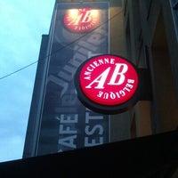 Снимок сделан в AB Ancienne Belgique пользователем Matthew V. 10/17/2012