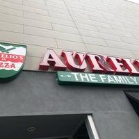 Foto scattata a Aurelio's Pizza - Chicago-South Loop da Jpablopd il 10/6/2018
