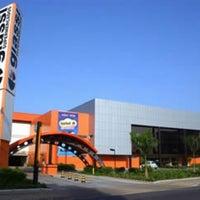 Foto tirada no(a) Giassi Supermercados por Evelynn D. em 10/27/2012
