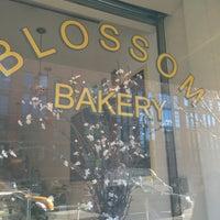 1/24/2013 tarihinde CarlosT1ziyaretçi tarafından Blossom Bakery'de çekilen fotoğraf