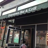 Photo prise au Downtown Bar & Grill par JonathanT2 le2/6/2013