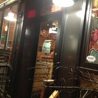 Foto scattata a High Heat Burgers & Tap da JonathanT2 il 1/25/2013