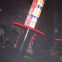 Das Foto wurde bei Club Cadde von Sercan Ö. am 5/11/2013 aufgenommen