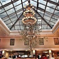 รูปภาพถ่ายที่ Kempinski Hotel Moika 22 โดย Anna B. เมื่อ 4/24/2013