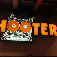 Foto tomada en Hooters por @FeyoReyes ✌. el 1/28/2013