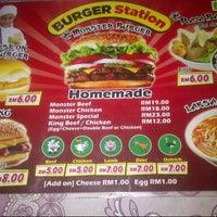 Das Foto wurde bei Burger Station von Aliza R. am 11/20/2014 aufgenommen