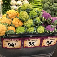 Photo taken at Sprouts Farmers Market by Jesse O. on 5/28/2017