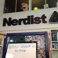 Снимок сделан в Meltdown Comics and Collectibles пользователем Nathan D. 6/24/2013