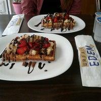 11/6/2012에 Tuğçe S.님이 Waffle Edem 46에서 찍은 사진