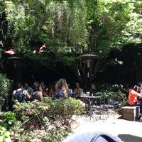 Снимок сделан в Arlequin Cafe & Food To Go пользователем Kyle M. 4/21/2013