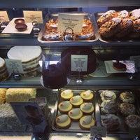 Das Foto wurde bei Tartine Bakery von UPD0WNACR0SS am 7/25/2013 aufgenommen