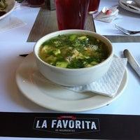 Das Foto wurde bei Loncheria La Favorita de Insurgentes von Mariana V. am 10/21/2012 aufgenommen